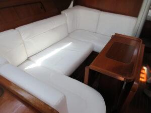 ヨット…。船室のソファー、寝室ベッドの張替え♬